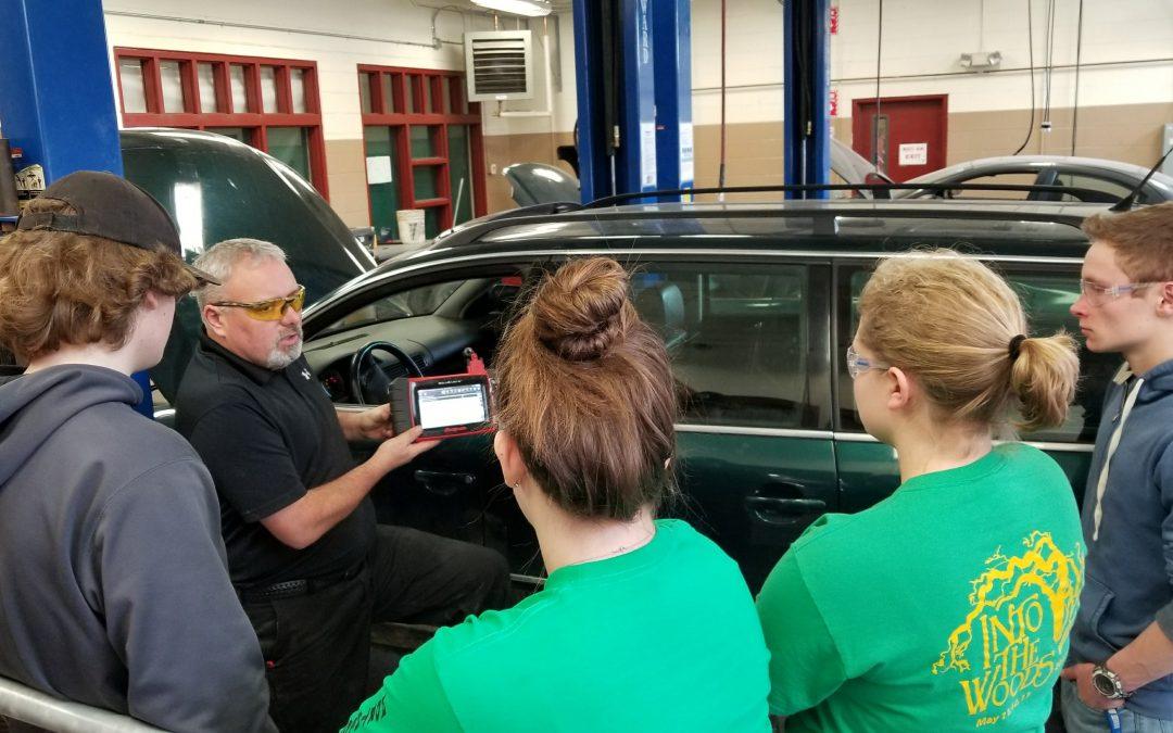 Concord High School Automotive Technology Teacher Wins National Award